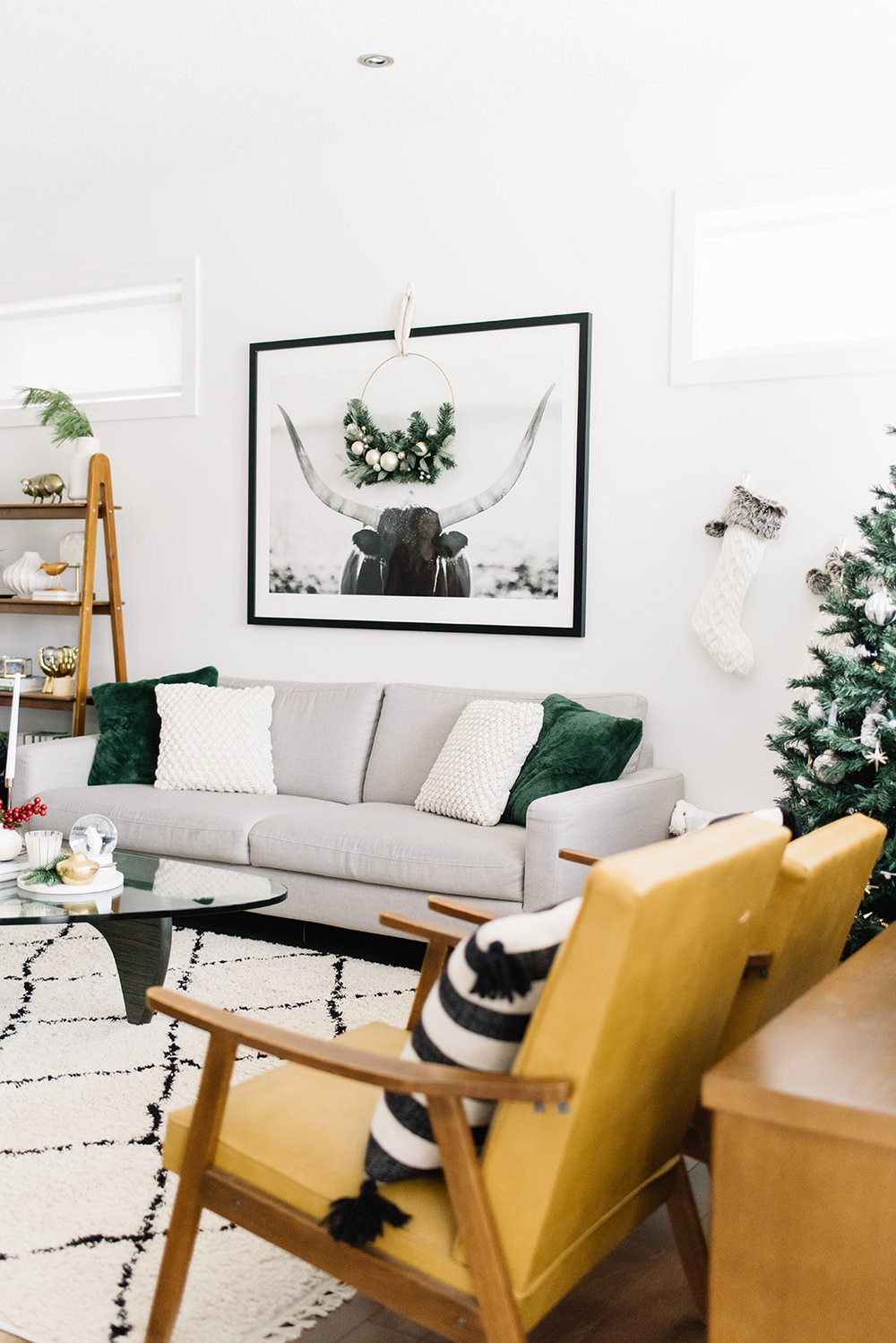modern christmas decor, minimalist holiday
