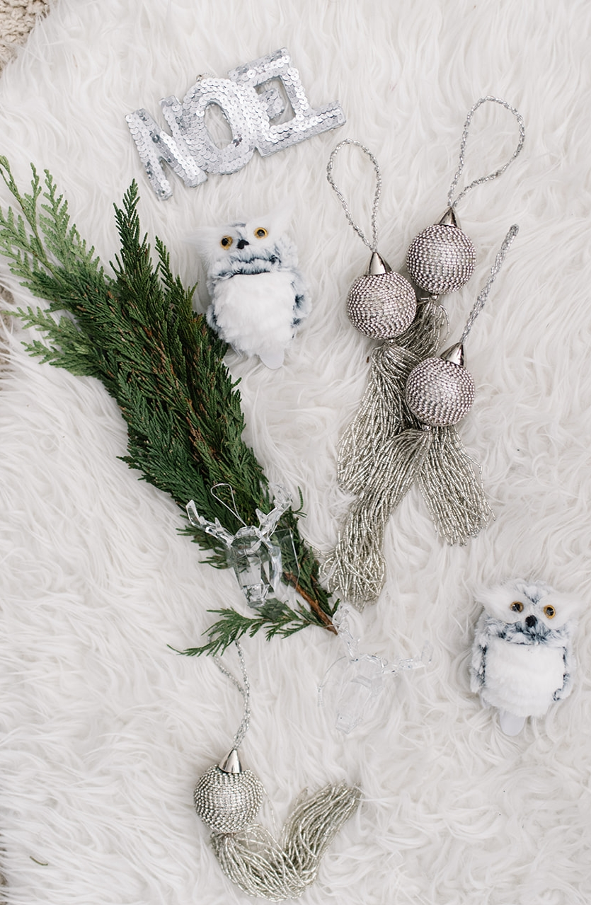 monochromatic christmas decor