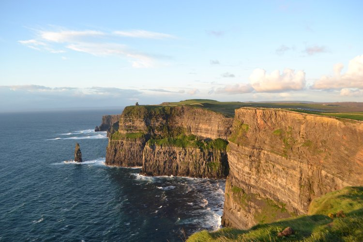 Sunset on the Cliffs of Moher, when the tourist crowds are gone: spectacular