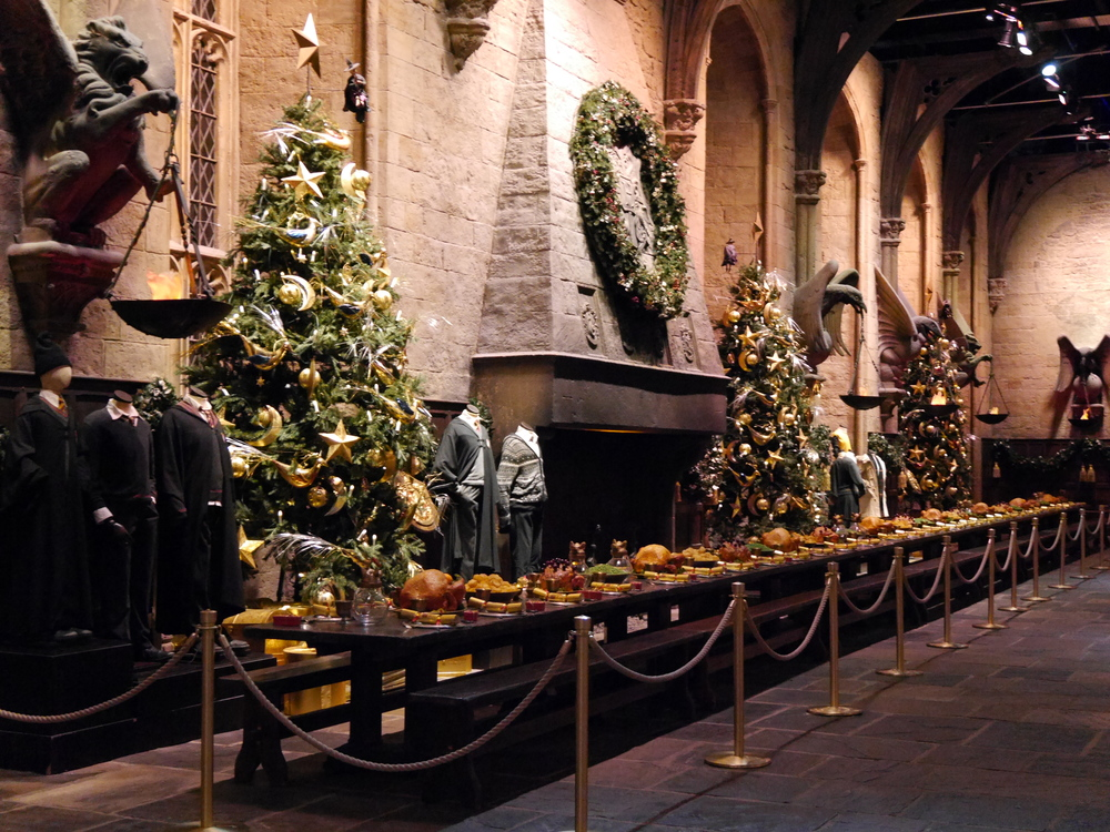 THE GREAT HALL AT CHRISTMAS