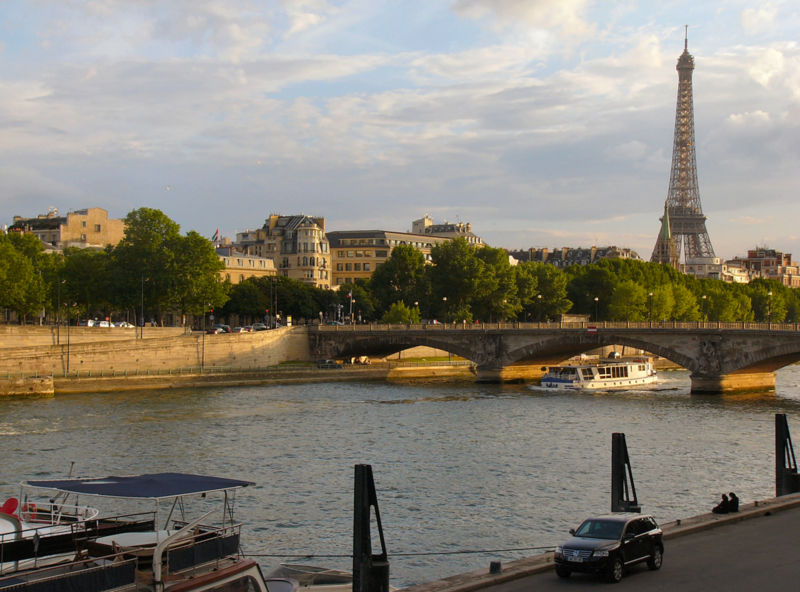 800px-ParisView.jpg