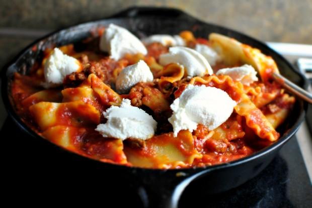 Easy-Skillet-Lasagna-www.SimplyScratch.com-drop-in-ricotta-620x414.jpg