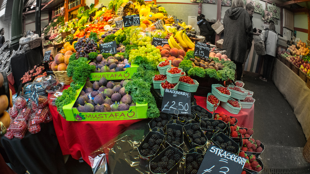 LONDON'S BOROUGH MARKET // IMAGE BY MEETYOUTHERE.ME TRAVEL BLOG