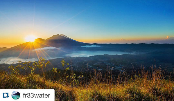 SUNRISE OVER MT. AGUNG VOLCANO // IMAGE BY FRANKIEBOYPHOTOGRAPHY.COM
