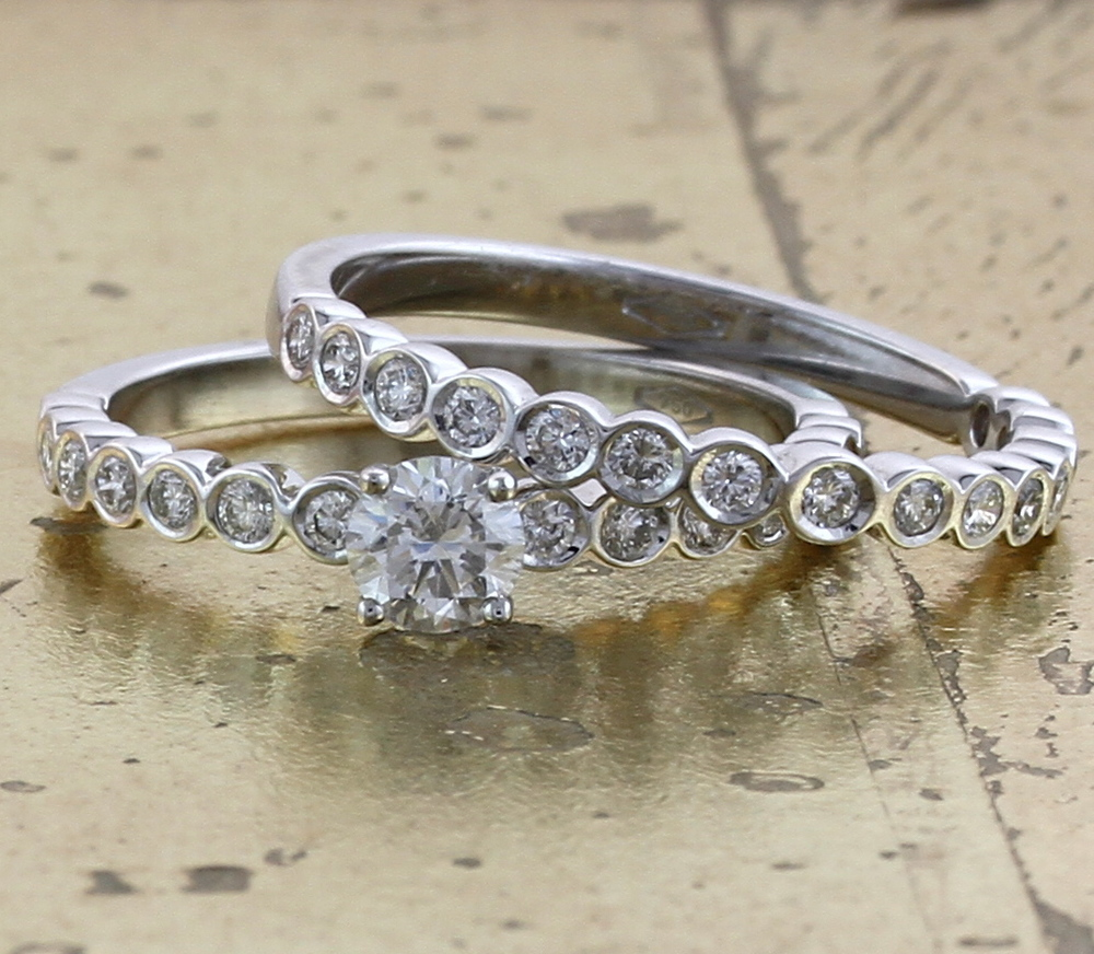 Wedding Band & Engagement Ring Set - Item No: 0013008-0013009