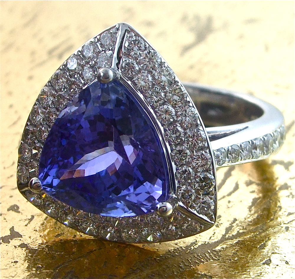 Tanzanite Ring with 2 rows of Round Diamonds - Item No: 0013395