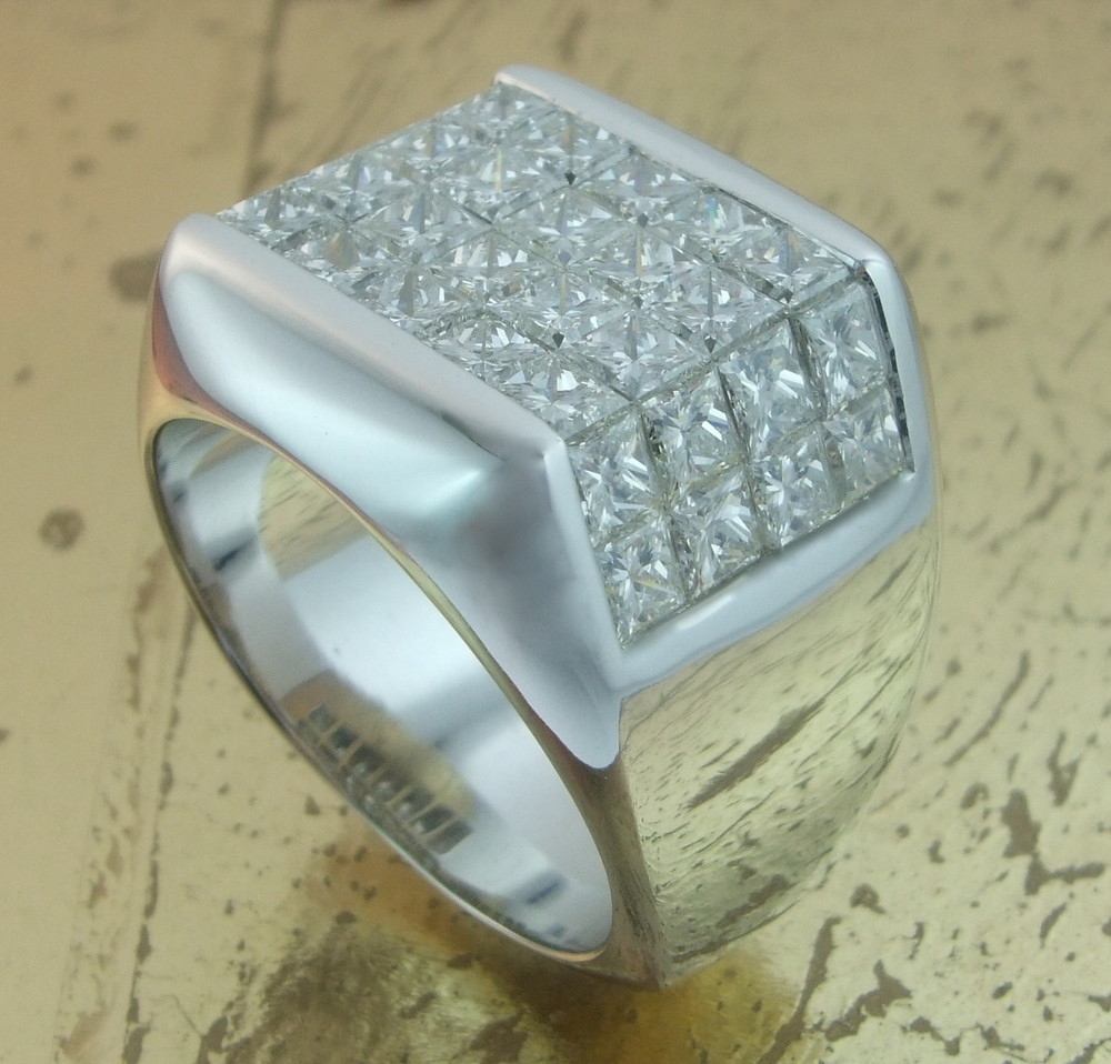 Men's Diamond Ring in Invisible Setting - Item No: 0013581