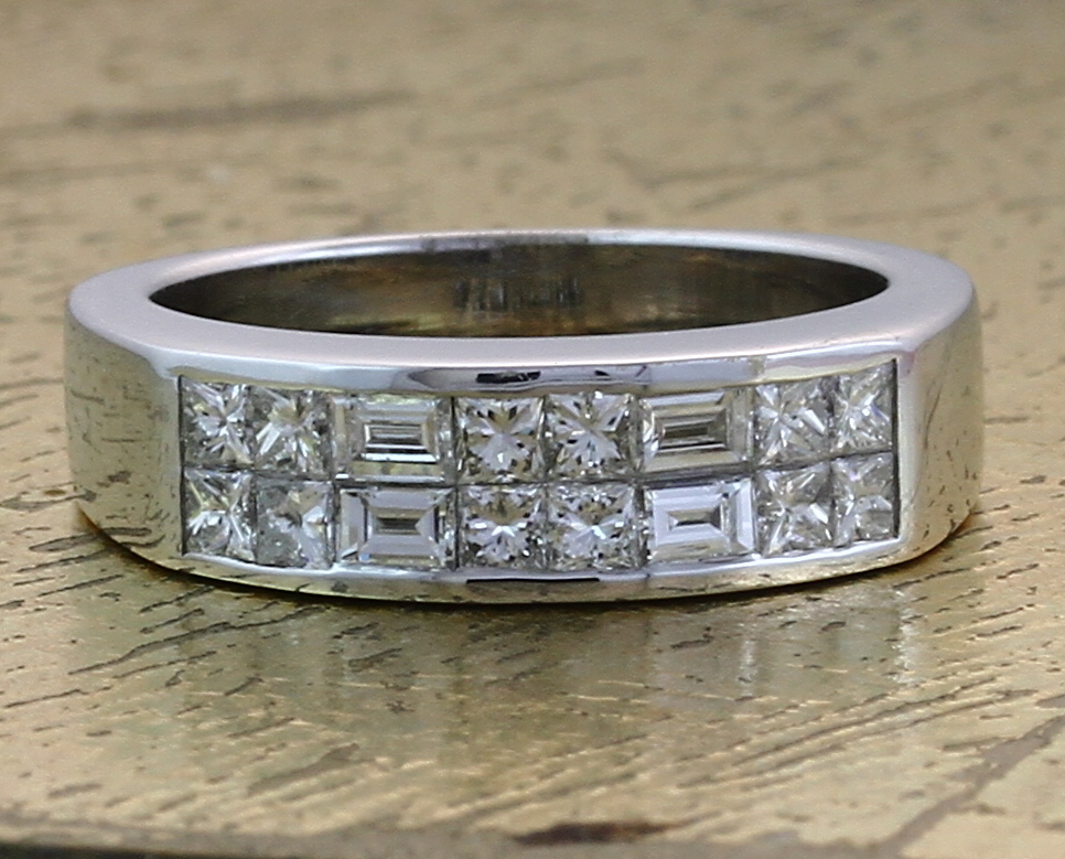 Wedding Band in Invisible Setting - Item No: 0011680