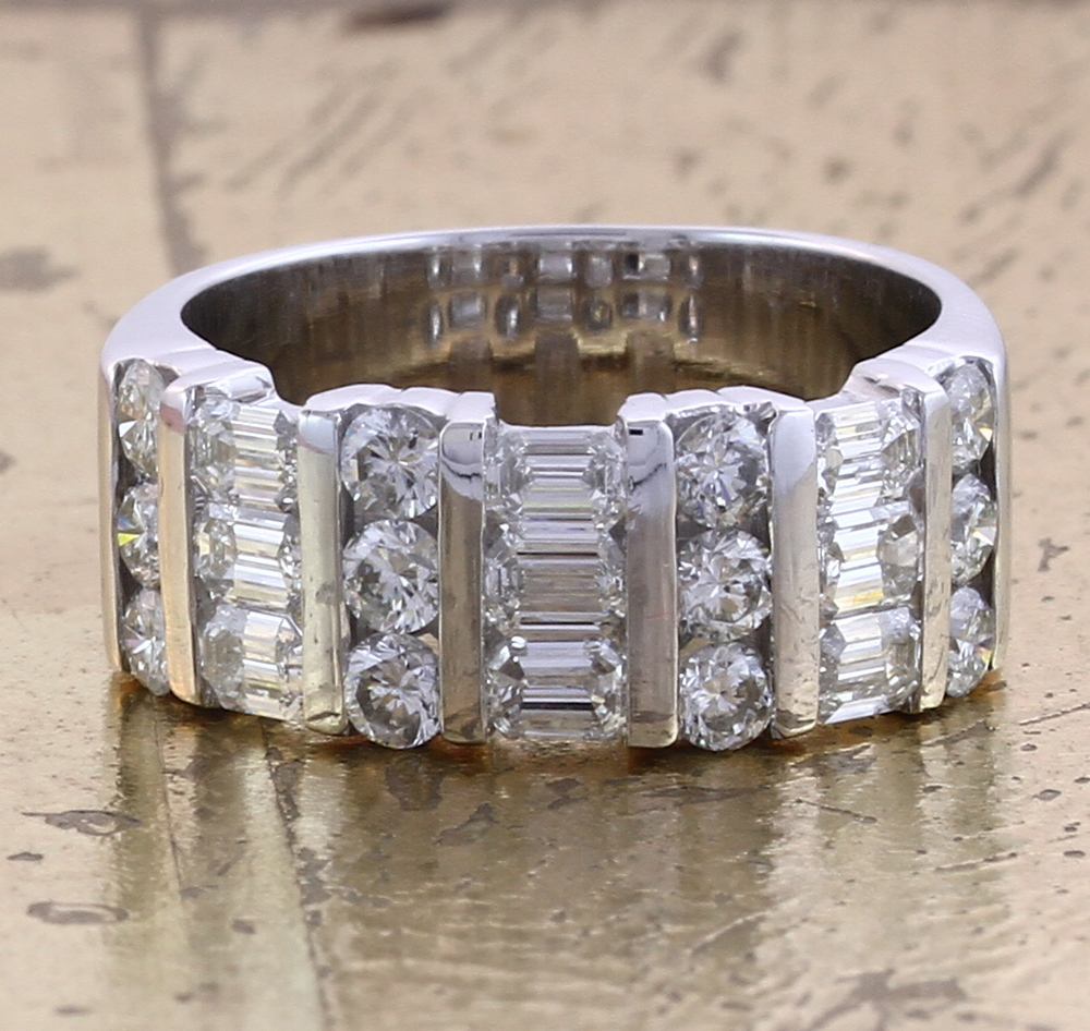 Wedding Band Round & Emerald cut Diamonds - Item No: 0010075A