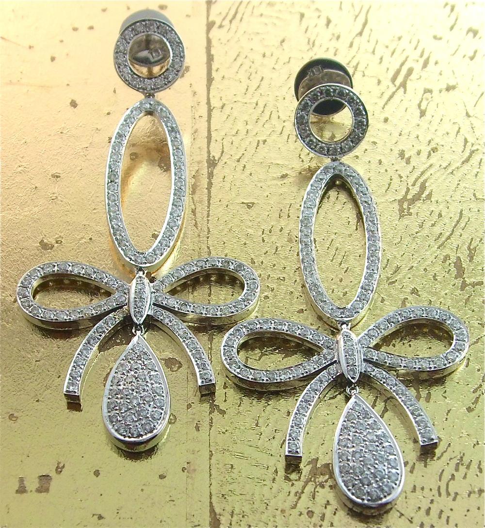 Fashionable Diamond Earrings - Item No: 0013552