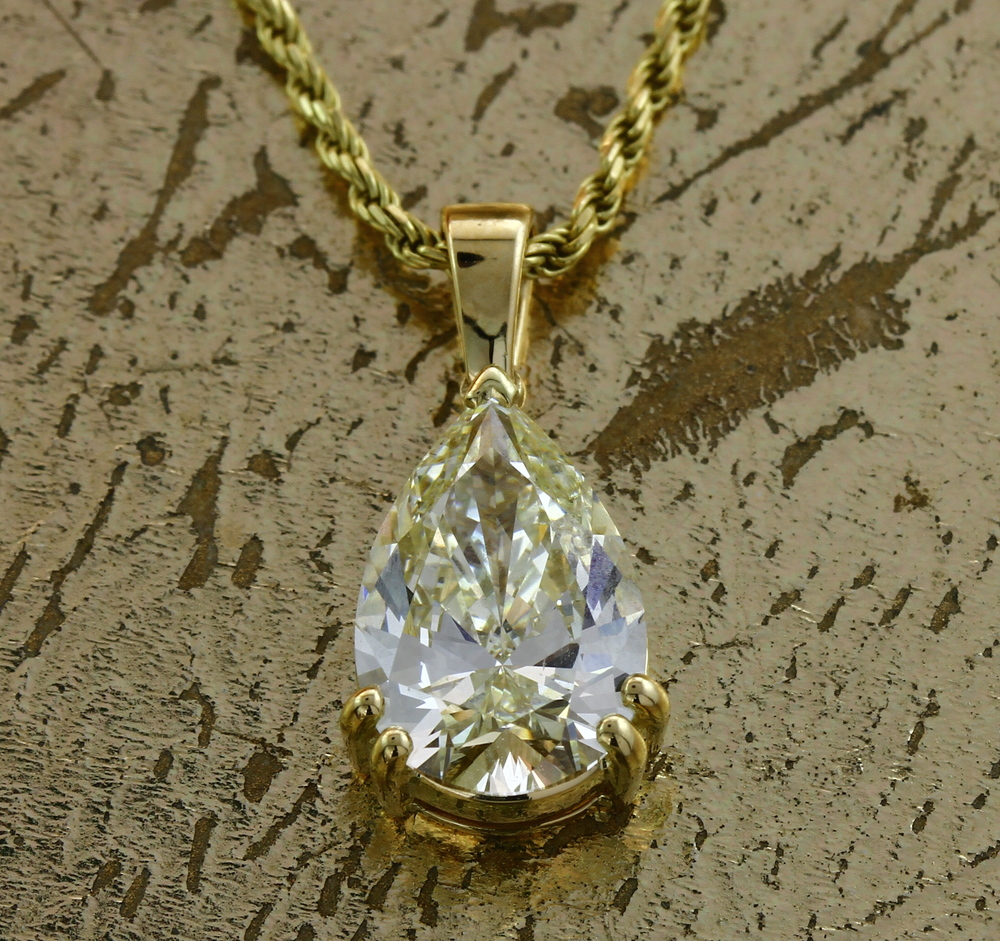 Pear Diamond Pendant - Item No: 0013789