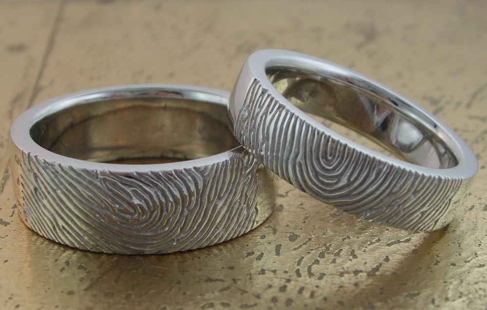 Wedding Band with Fingerprint on the outside - Item No: 0013659-0013660
