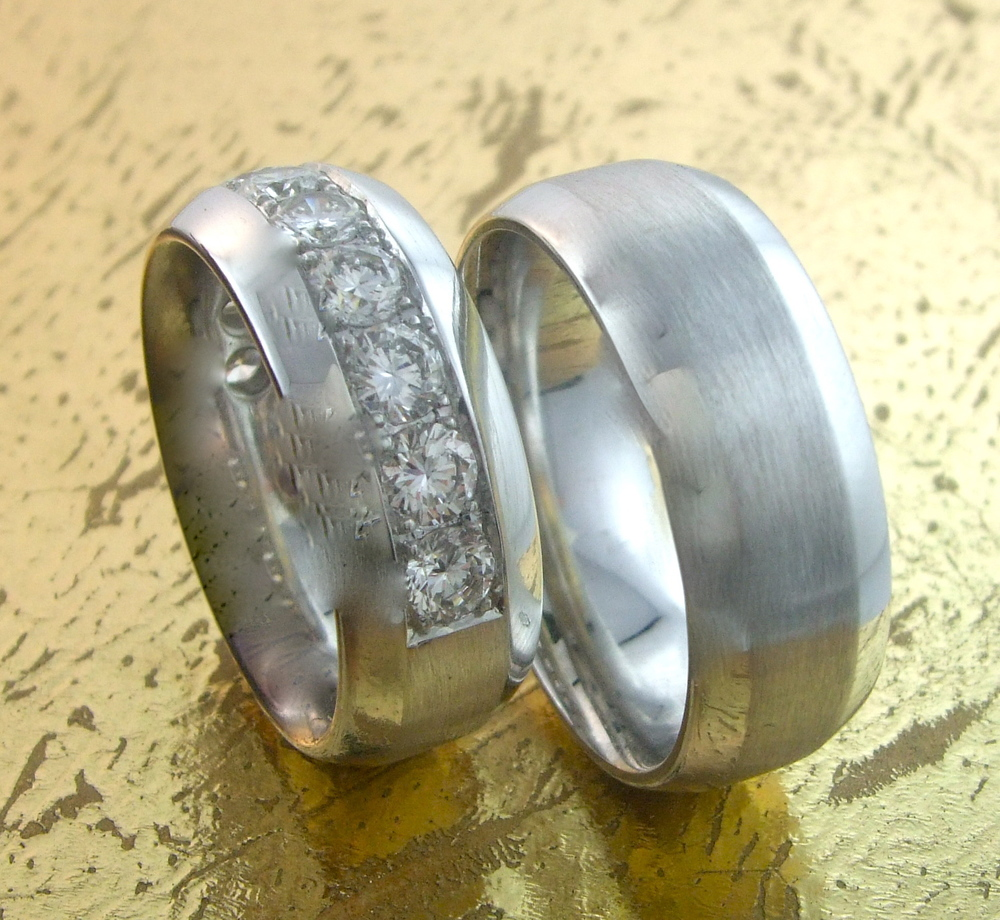 Matching Wedding Bands His & Hers in Platinum or 18K Gold  - Item No: 0013454-0013455