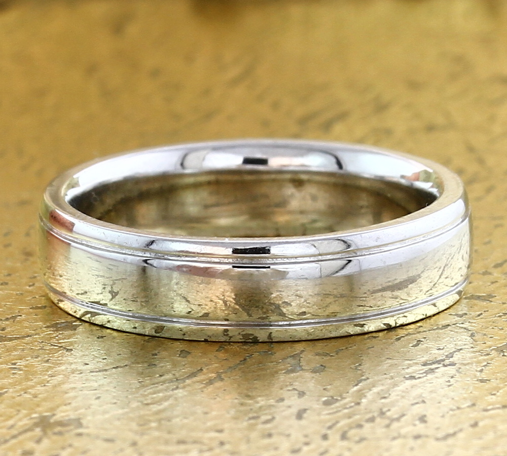 Men's 18K Gold or Platinum Wedding Band - Item No: 0013876