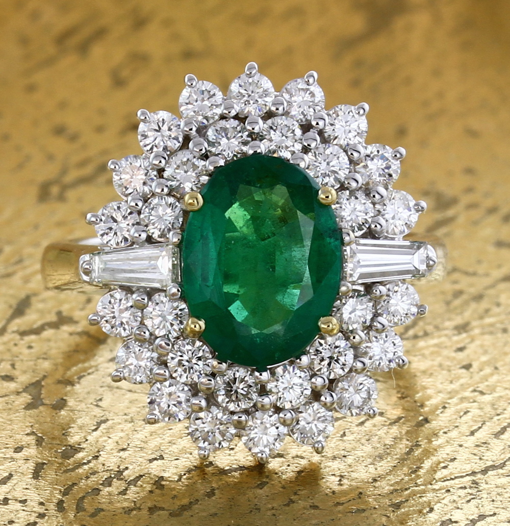 Emerald Ring with Baguettes & Round Diamonds. Item No: 0013900