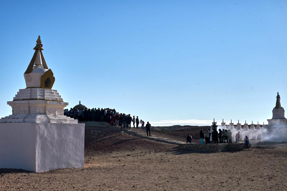 Khasar_S_Worshippers_Dundgovi_Mongolia_Spring_2016.png