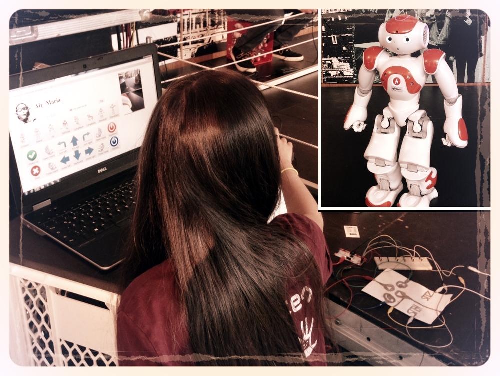 Mit dem Laptop sagte Maria dem Robotermädchen Maria wo es lang geht.