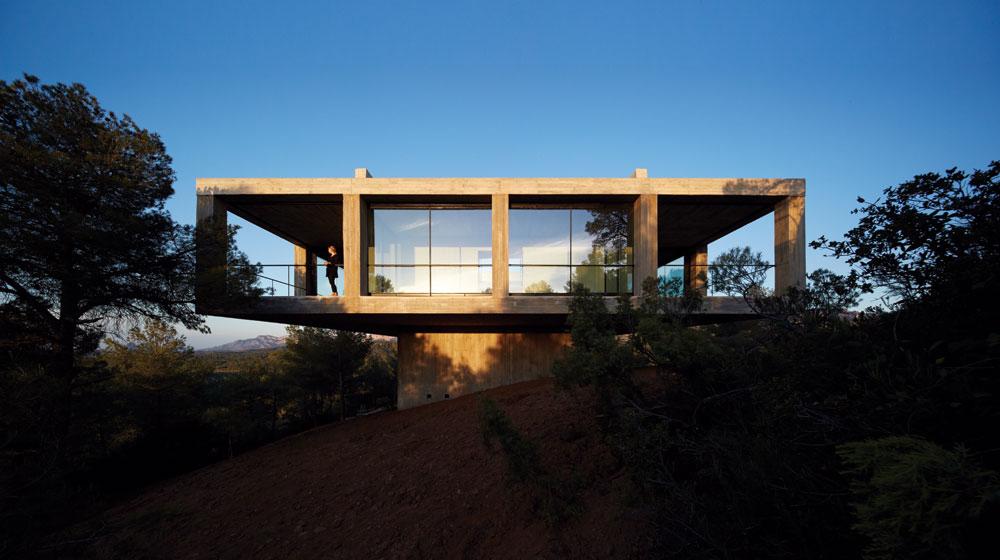 Pezo Von Ellrichshausen Architects . Solo House . CRETAS (1).jpg