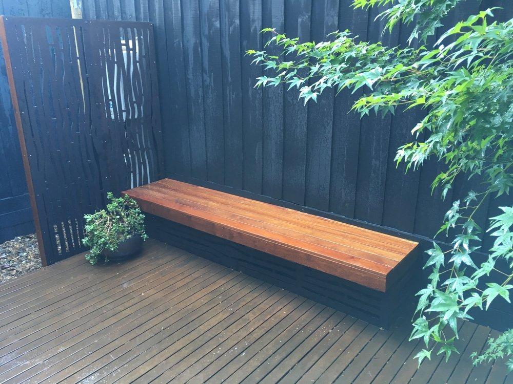 Elwood Courtyard. Outdeco Screen. Merbau Decking. Japanese Maple. Succulent Pot.