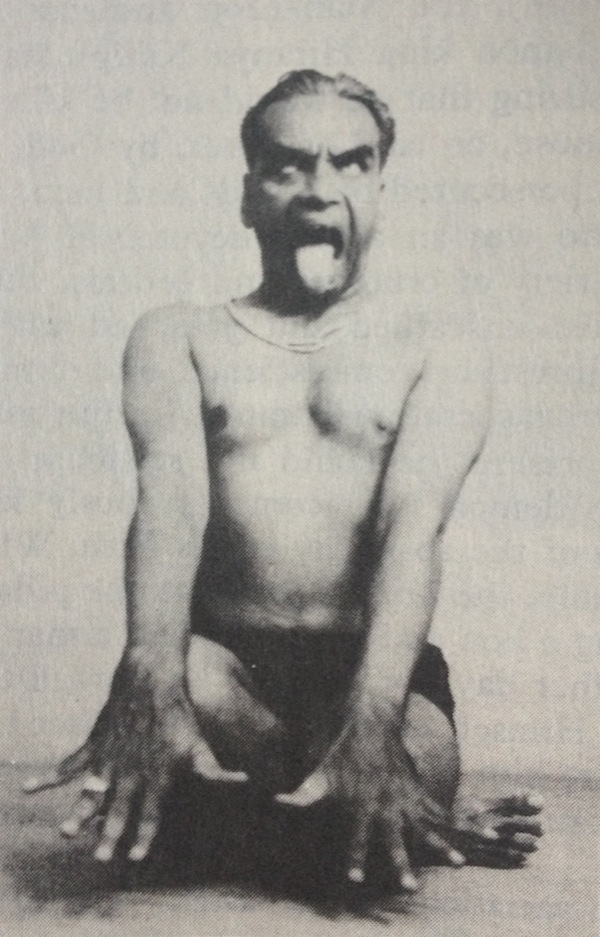 B.K.S. Iyengar // Simhasana // Light on Yoga