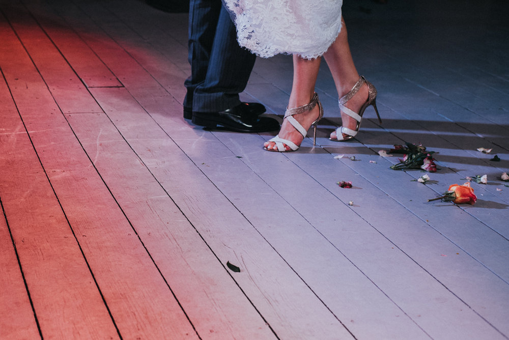 feet dancing lulumeli