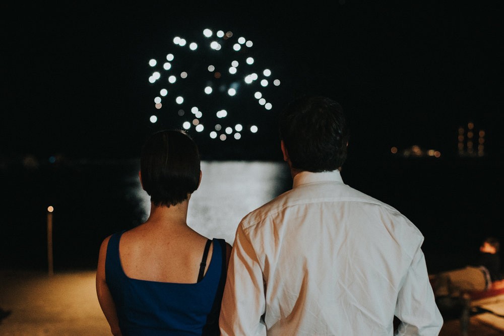 couple_watching_fireworks