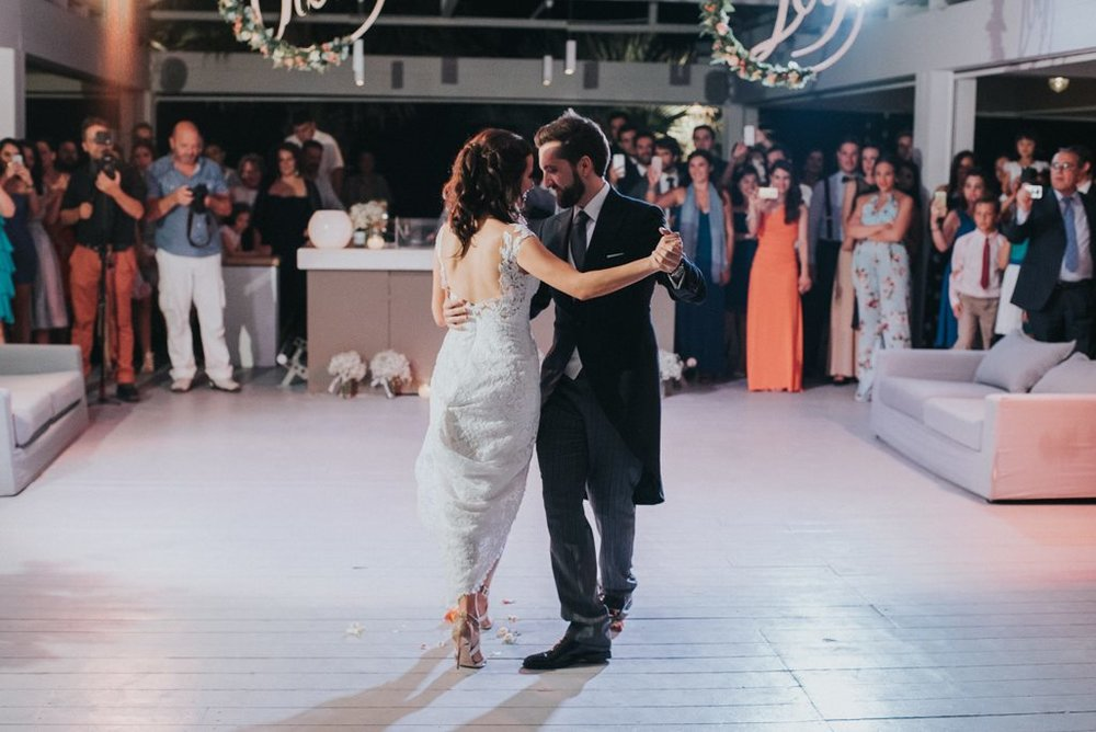 Η νύφη μας η Εμμυ χορεψε ένα μοναδικό τανγκό με τον Jorge δείτε εδω τον γάμο τους