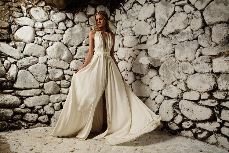 Βο + Luca νυφικό φόρεμα σε ελληνικό νησί.