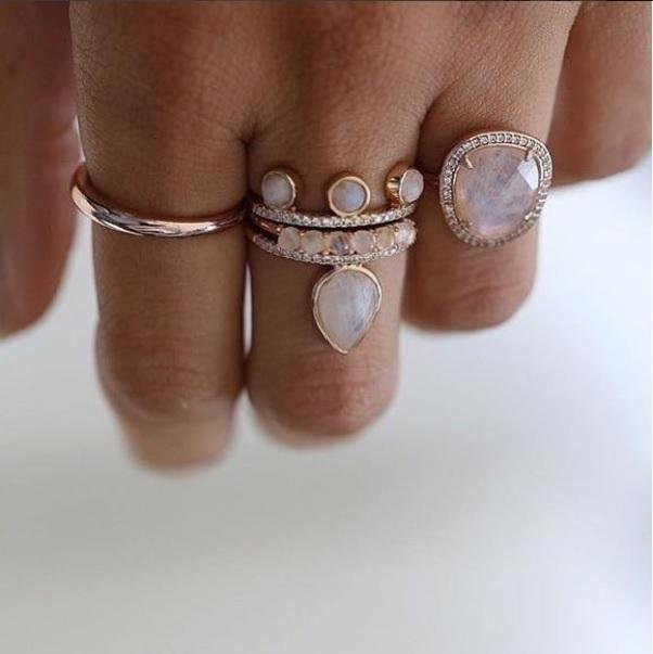 Βέρα συνδιασμένη με δαχτυλίδια