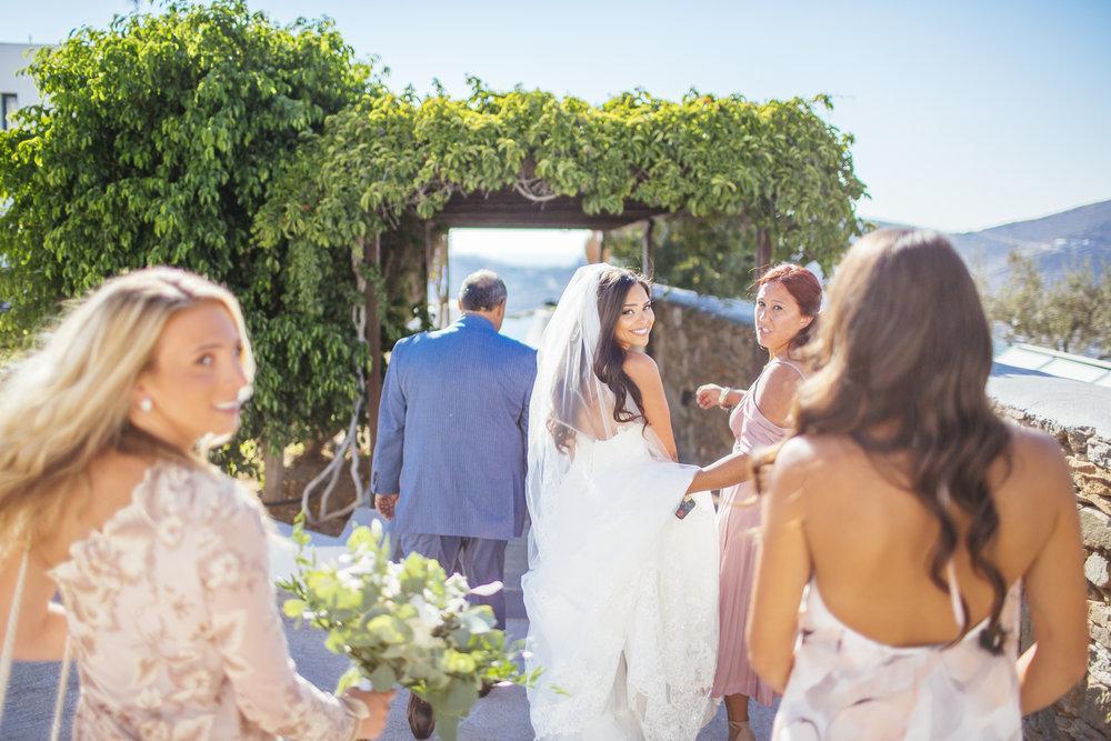 Φυσική Φωτογραφία γάμου χωρίς υπερβολές και στημένες εικόνες απο το Lulumeli.com