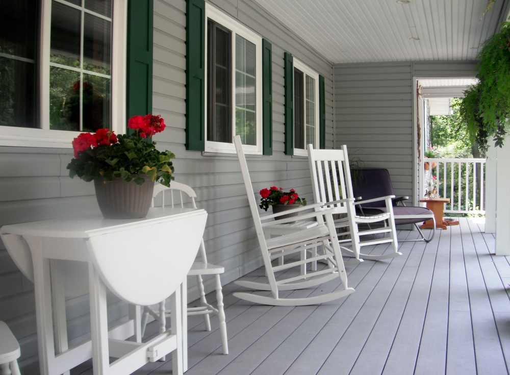 Tuktawayin Front Porch