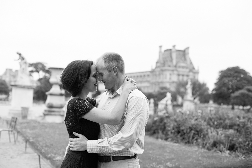Paris, France Couples Photographer I Anniversary Eiffel Tower Photo Shoot I Katie Donnelly Photography_021.jpg