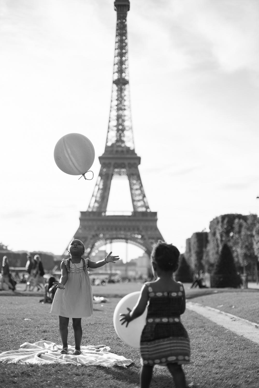 Paris, France Eiffel Tower Family Portrait Session, Family Lifestyle Natural Light Photographer_023.jpg