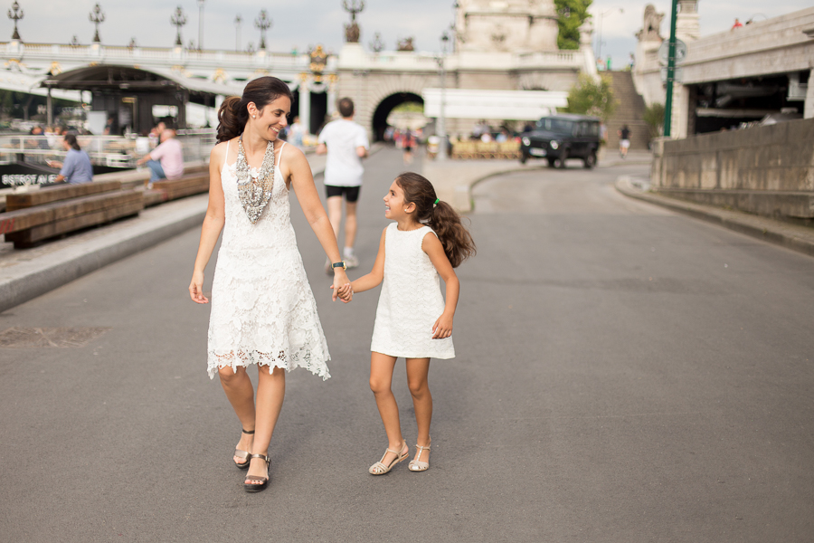 Paris, France Gorgeous Mother Daughter photo session, family photos in Paris_003.jpg