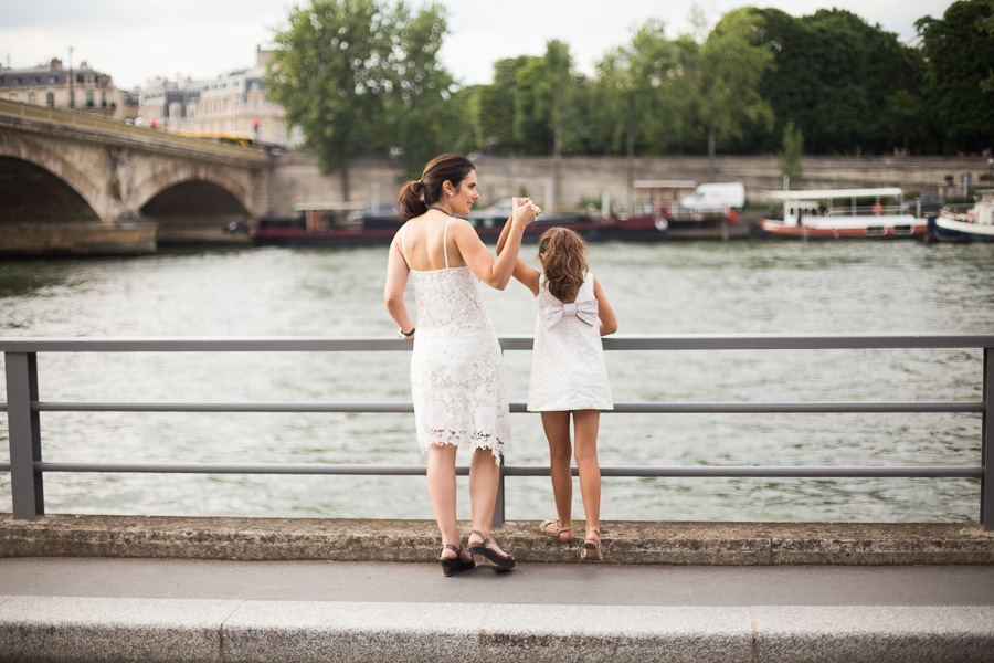 Paris, France Gorgeous Mother Daughter photo session, family photos in Paris_005.jpg