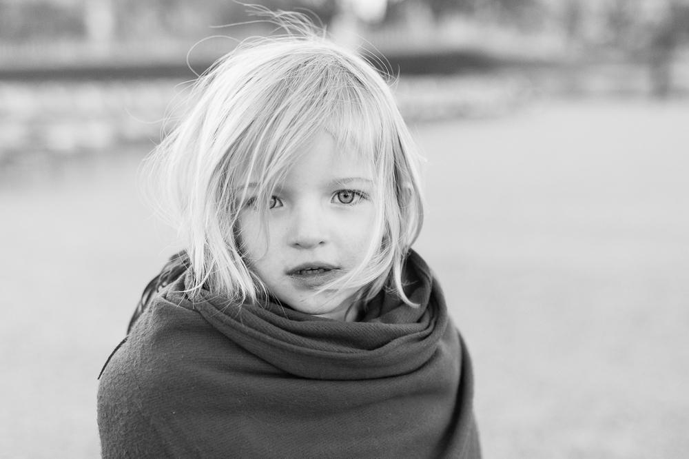 winter-family-photo-session-ideas-paris-photographer-6