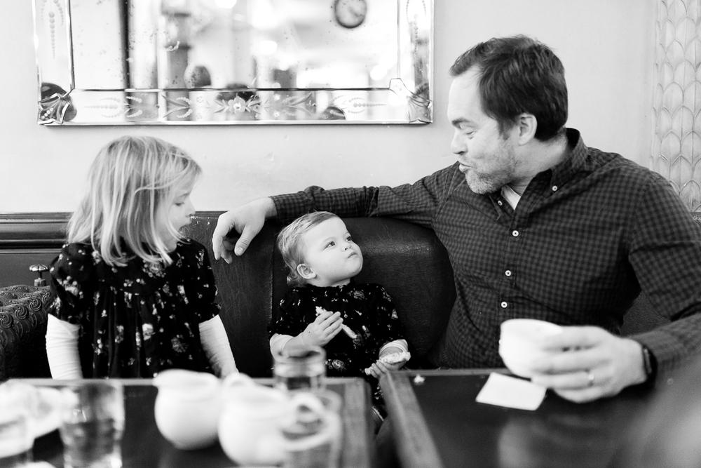 winter-family-photo-session-ideas-paris-photographer-9