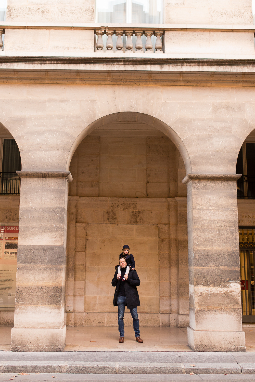 winter-family-photo-session-ideas-paris-photographer-13