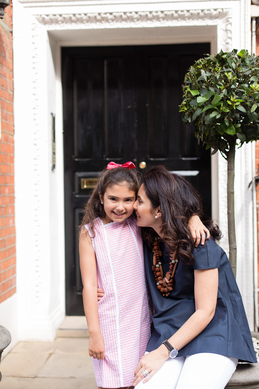 mother-daughter-photos-london-photographer-kensington_008.jpg
