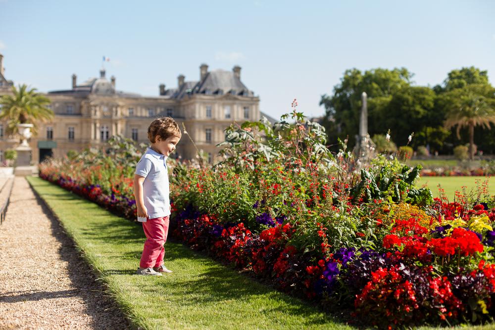 outdoor-family-photosession-jardin-du-luxembourg-paris-photographer_007.jpg