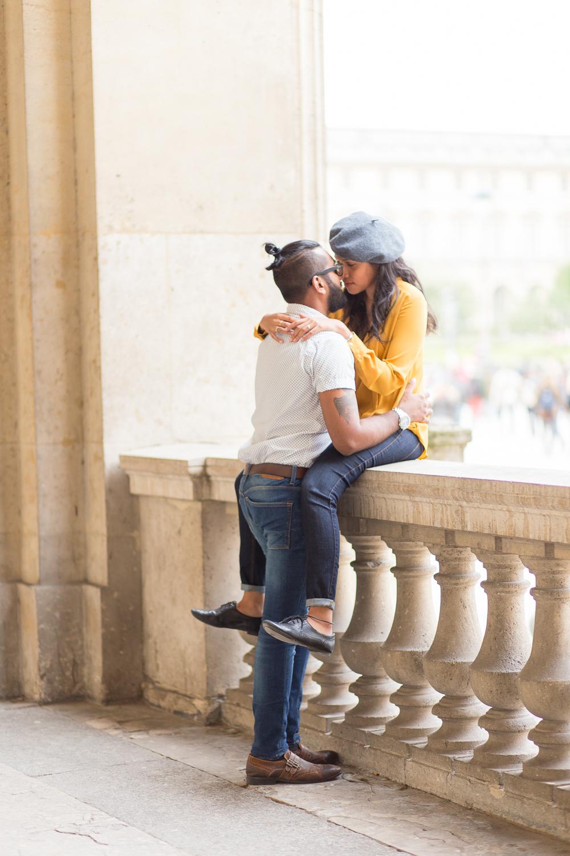 colorful-unique-outdoor-fall-engagement-couples-photo-shoot-paris-photographer_004.jpg