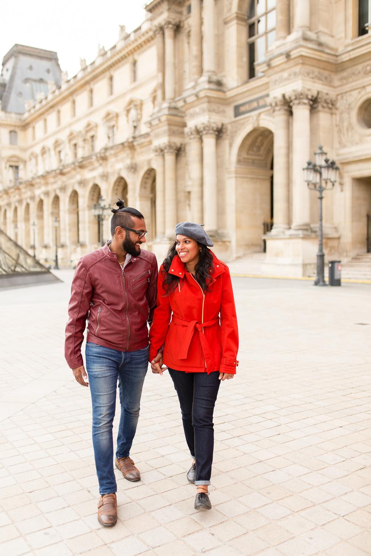 colorful-unique-outdoor-fall-engagement-couples-photo-shoot-paris-photographer_007.jpg