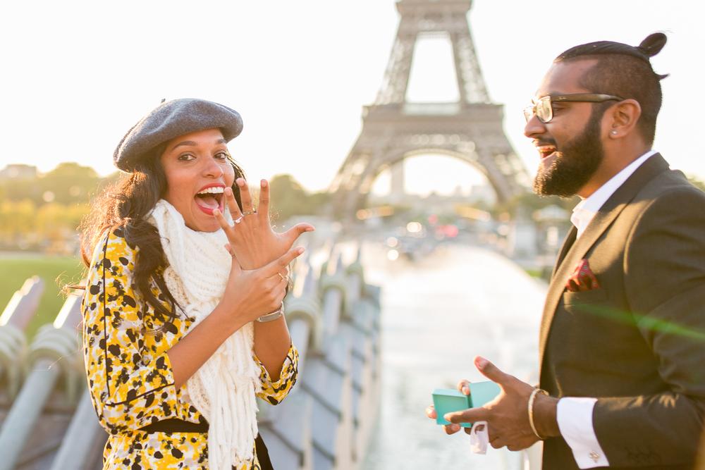 eiffel-tower-engagement-couples-photo-shoot-paris-photographer_002.jpg