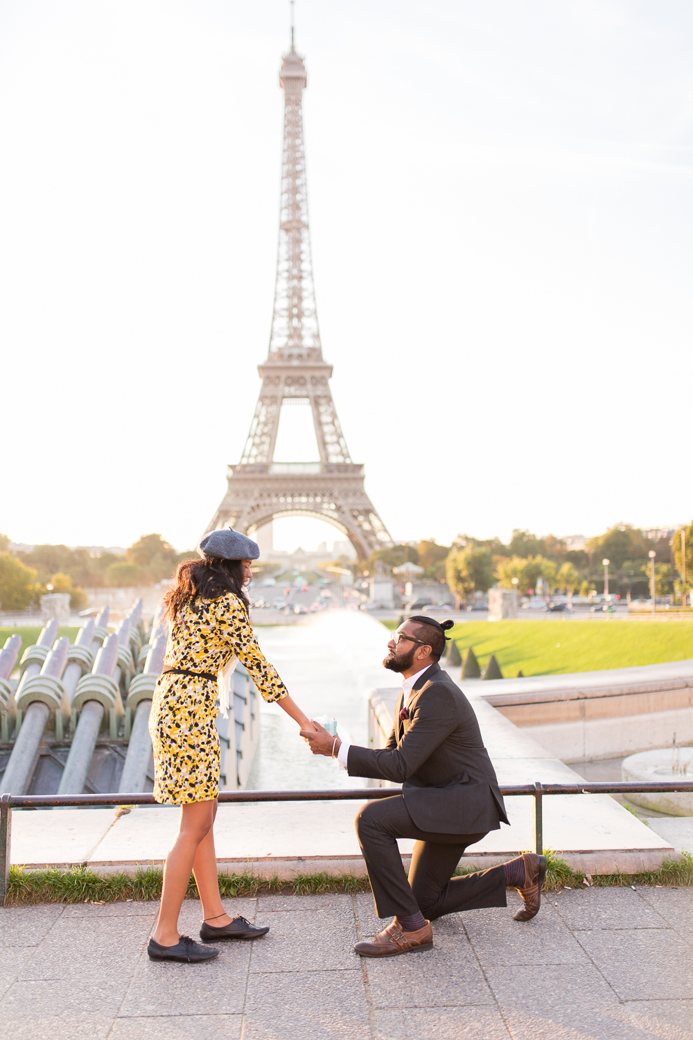 fall-outdoor-engagement-couples-photo-session-paris-photographer_006.jpg