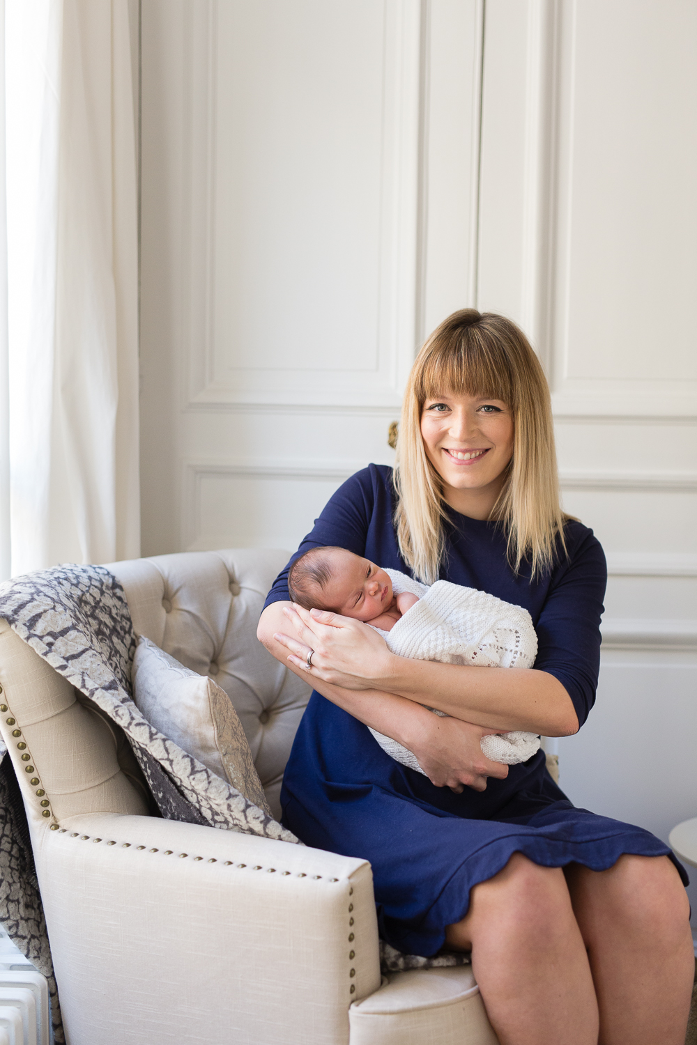 stylish-newborn-photo-session-inspiration-at-home-paris-photographer_020.jpg