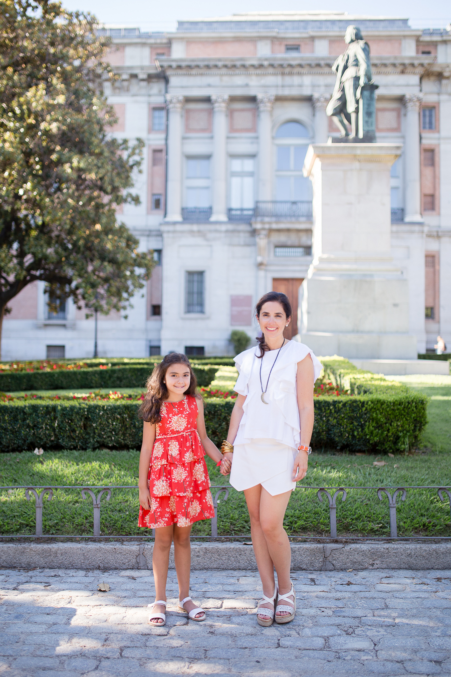 el-prado-madrid-mother-daughter-photo-session_004.jpg
