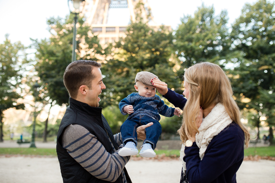 eiffel-tower-family-photo-session-paris-with-kids_009.jpg