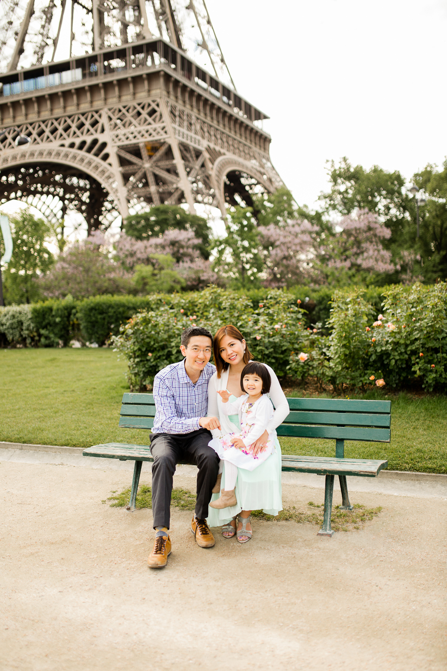 family-portraits-eiffel-tower-paris-photographer_007.jpg