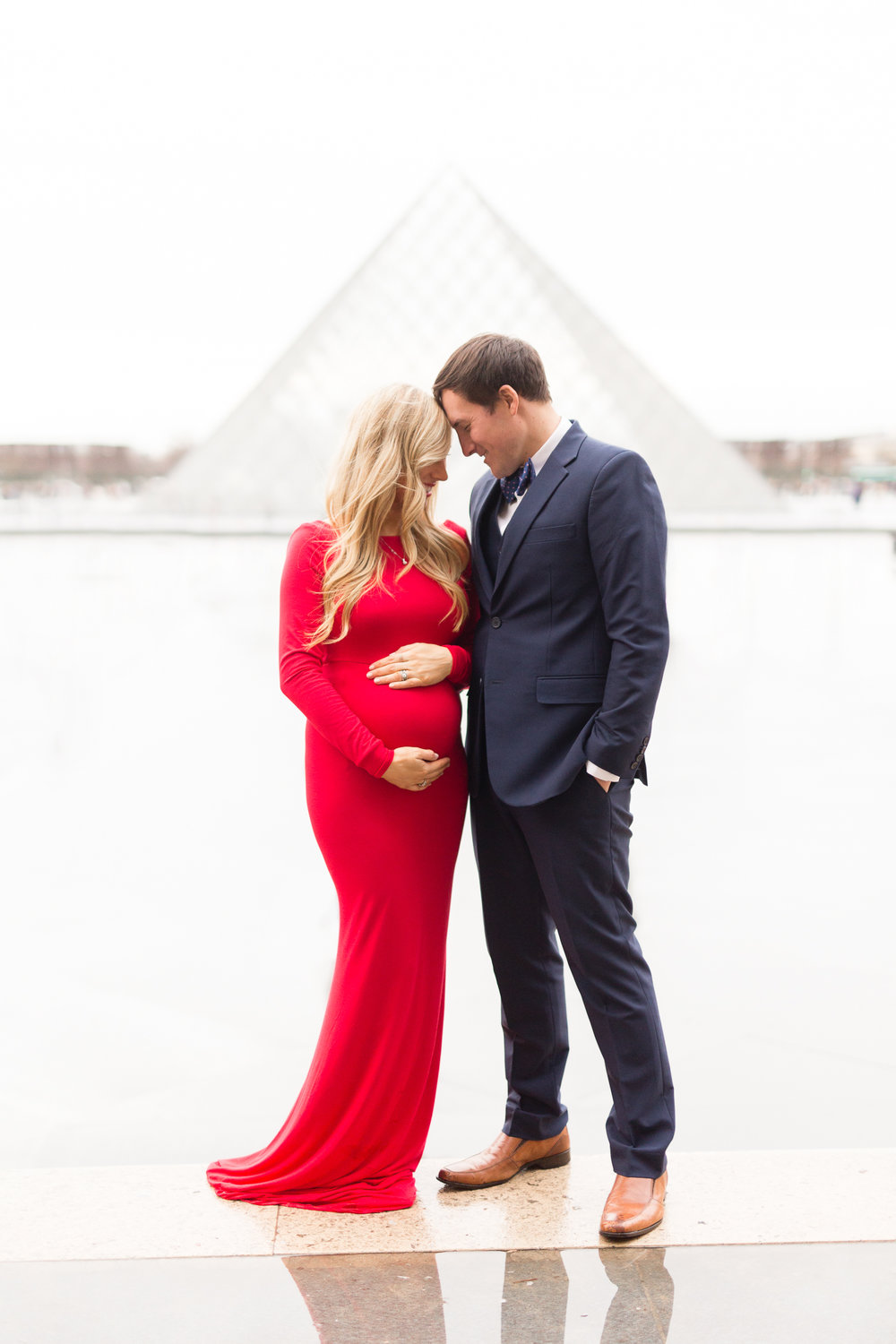 paris-maternity-photographer-katie-donnelly-blogger-chloe-arnold-palais-royal-louvre-8.jpg
