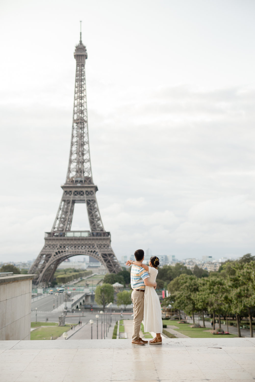Romantic-Couples-Photo-Session-Eiffel-Tower-Paris-Photographer-Katie-Donnelly_001.jpg